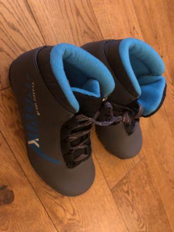 Buty na biegówki 31, jak nowe