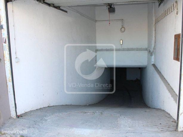 Garagem Centro do Barreiro.