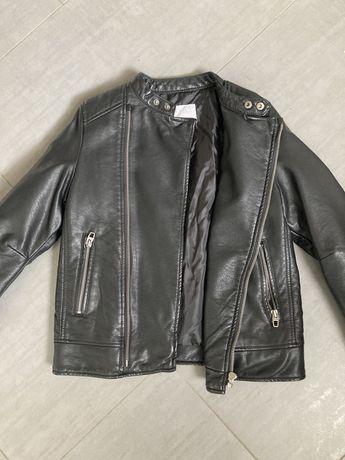 Kurtka Zara w stylu motocyklowym