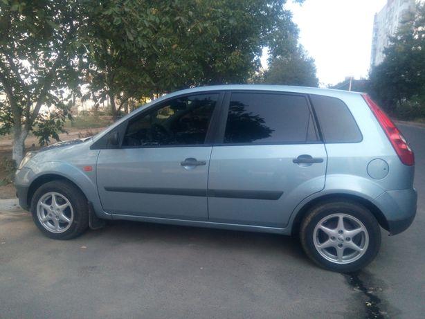 Продам Ford Fiesta 2006г 1.3 в отличном состоянии!