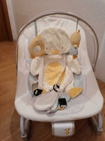 Espreguiçadeira Bebé Brights Stars com vibração e música