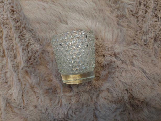 Świecznik szklany wys. 6 cm, śr. 5 cm