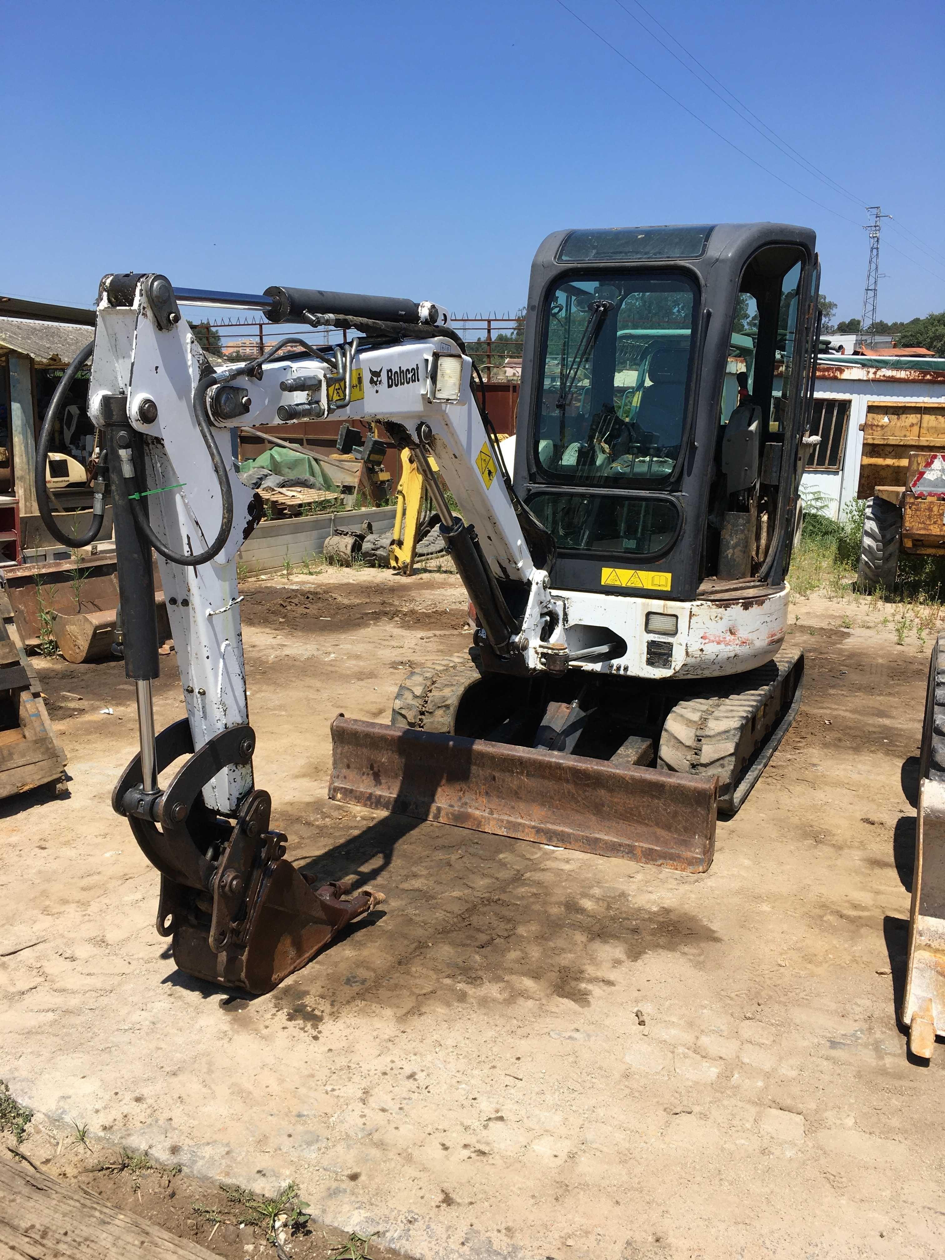 Mini giratoria - escavadora Bobcat 425