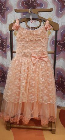 Нарядное, выпускное платье на 6-7 лет