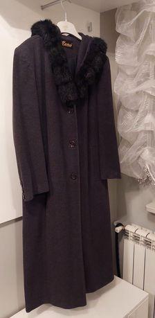 Długi płaszcz zimowy z kapturem rozm L /Xl