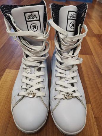 Ботинки, сапоги, кроссовки