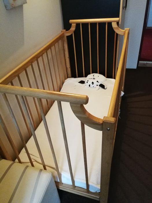 Łóżeczko drewniane dla dziecka Chrośla - image 1