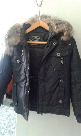 Куртка с меховым воротником (40-42)