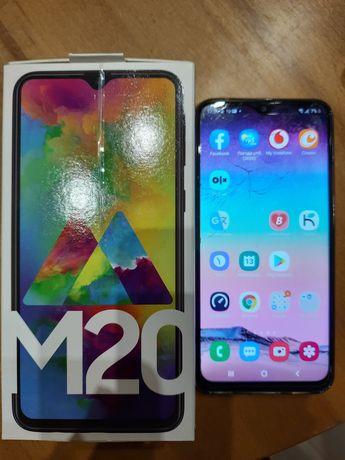 Телефон Самсунг М20