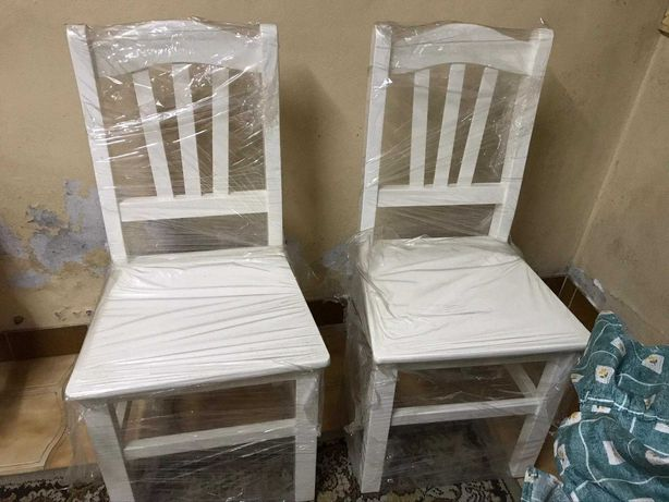 Cadeiras lacadas