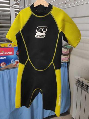 2 Fatos SURF / BODYBOARD DEEPLY - Tamanho 8 e 12 anos e Licra 7/8 anos