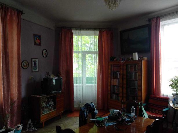 Продаж 2-х кімн. квартири 76 / 55 / 8 на вул.Квітки-Основяненка