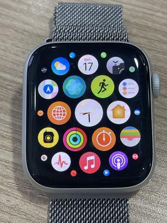 Apple Watch Series 4 44mm GPS+Celular - Silver Aluminum Case
