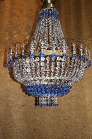 Люстра на 5 ламп.4 кг хрусталя!