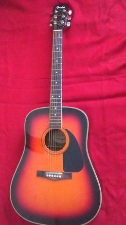 """Гитара """"Fender""""."""
