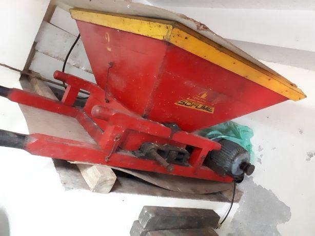 Esmagador de uvas com motor