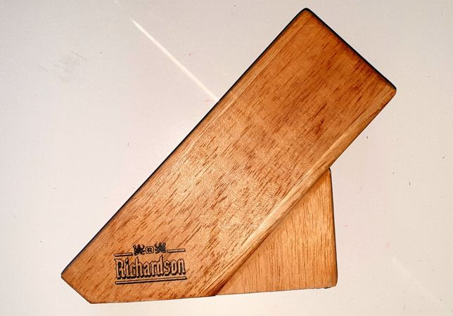 Drewniany blok na noże.