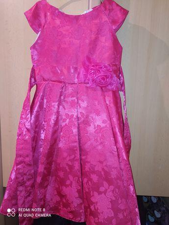 Продам платье на 6 лет