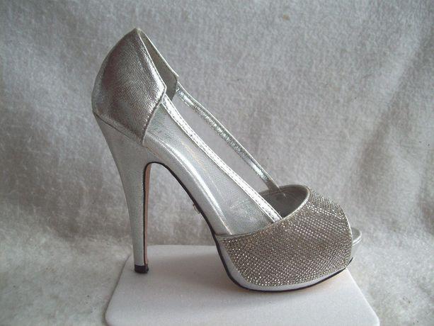 Туфли серебристые стразы, стелька 23,5 см.