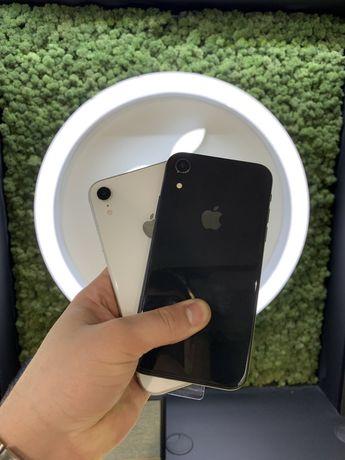Apple IPhone XR 64Gb Black/White USED One Apple