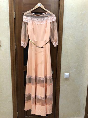 Нарядна довга сукня