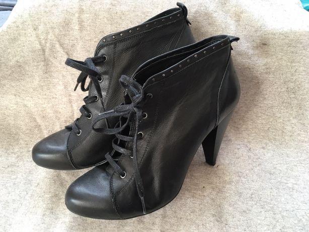 Zara, buty na obcasie, rozm 40, botki
