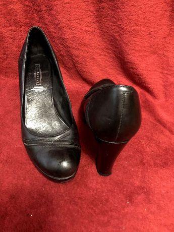 Продам туфлі 5th avenue