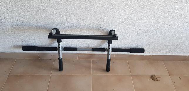 Barra de elevações Iron Gym
