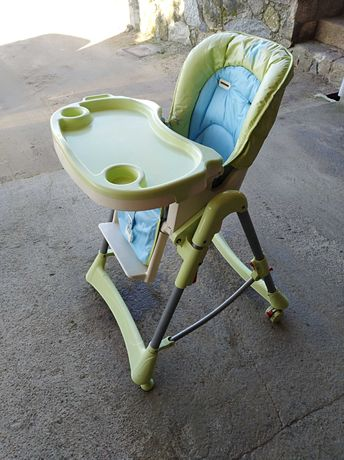 Cadeira de bebé para refeições