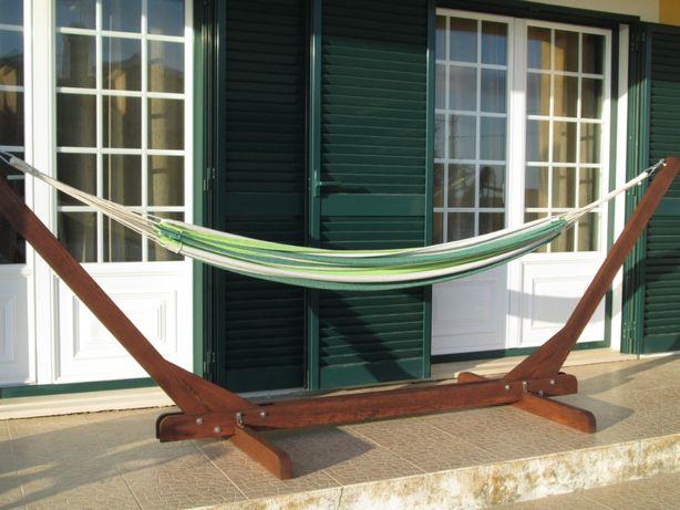 Suporte em madeira para cama de rede ou pano