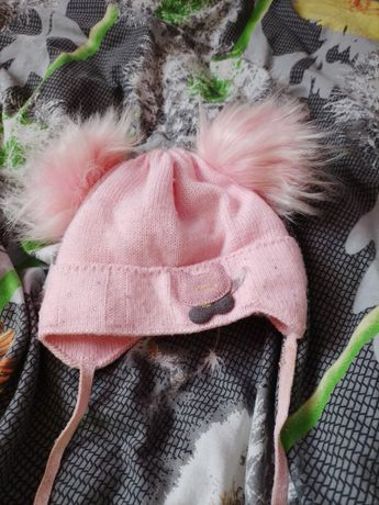 Продам шапку для девочек