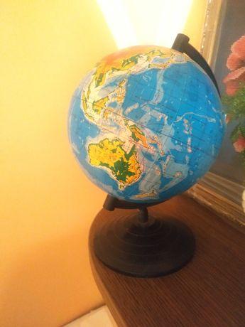 Маленький глобус землі
