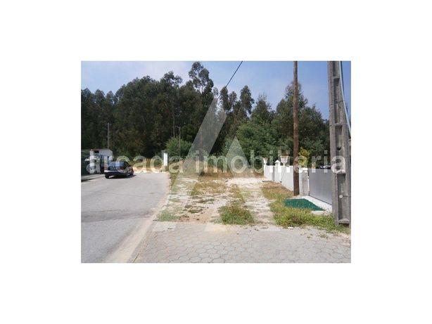 Terreno em Sever do Vouga, com 15 m de frente e 521 m2 de...