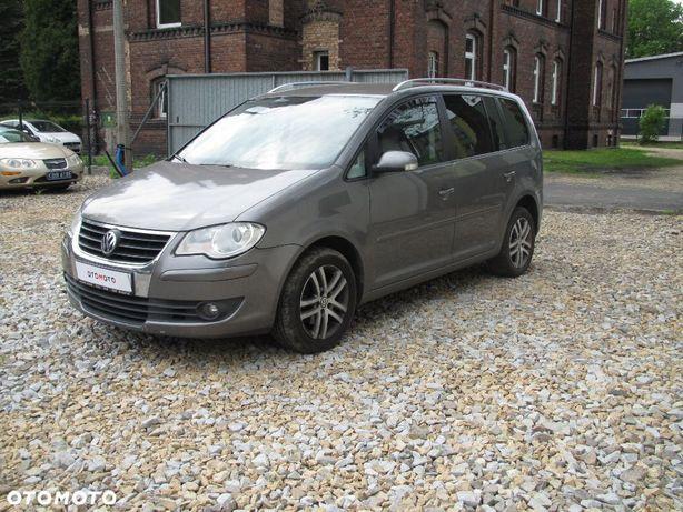 Volkswagen Touran sprzedam ładnego Vana.