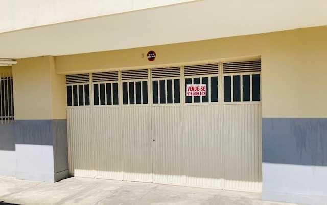Armazem (Garagem) na R Gil Vicente com 84 m2
