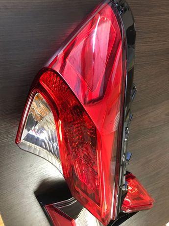 Продам оптику на Toyota CH-R ЗАДНЯЯ \ПРАВАЯ Задний стоп тойота сиашєр