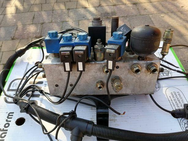 Roździelacz hydrauliczny blok zaworowy Johnston CX 400