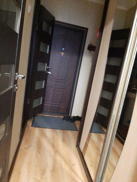Продам 3 кім.квартиру вул.І.Павла 2 ,2 поверх,ремонт,не кутова