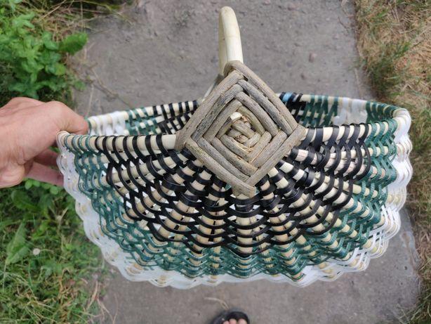 Корзини плетені