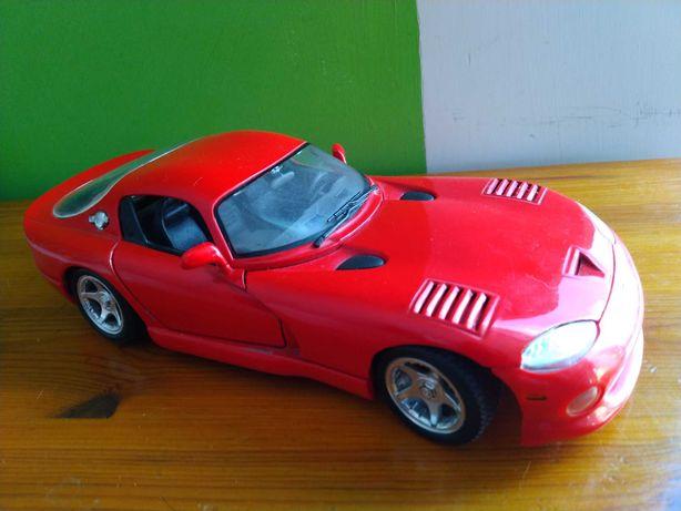 Dodge Viper GTS skala 1/18 Maisto