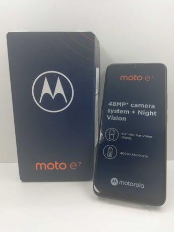 "Nowy Telefon Motorola Mote E7 / Sklep ""Cash"" Łódź ul. Rzgowska 24"