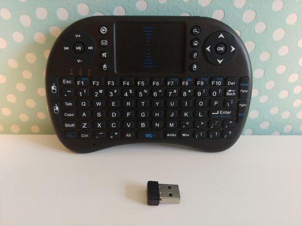 Bezprzewodowa klawiatura z touchpadem z antena USB, kodi