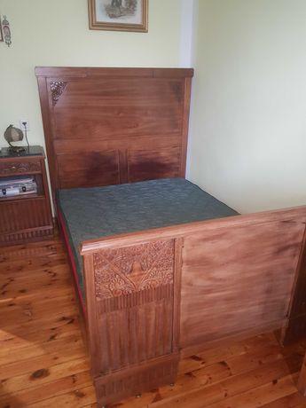 Łóżko drewniane antyk