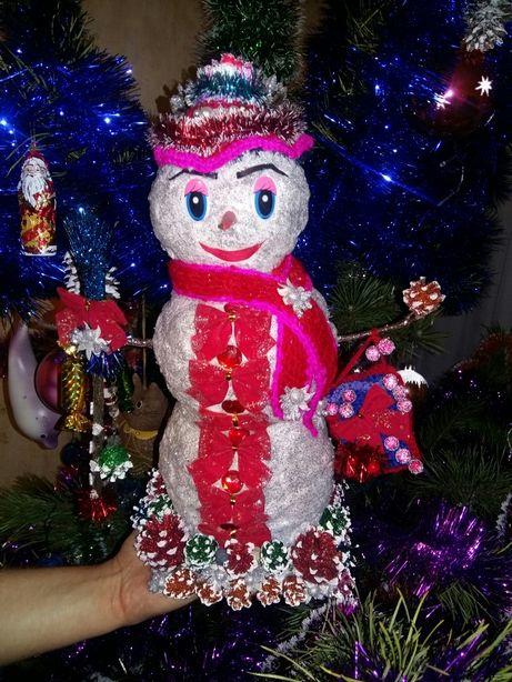 Снеговичок большой под елочку