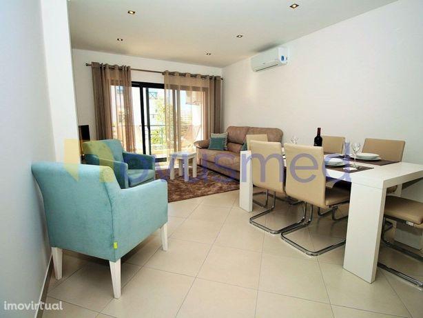 Algarve, Albufeira, Apartamento T2 situado em condomínio ...