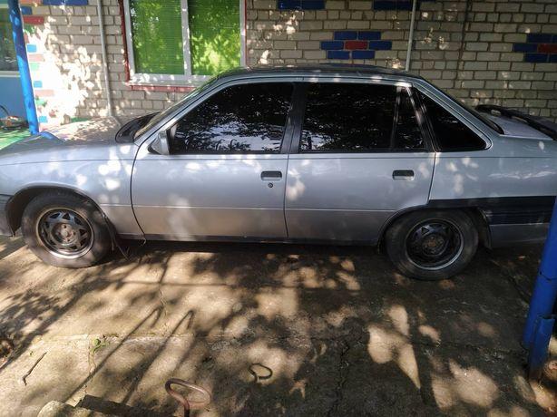 Продам Opel Kadett 1.6