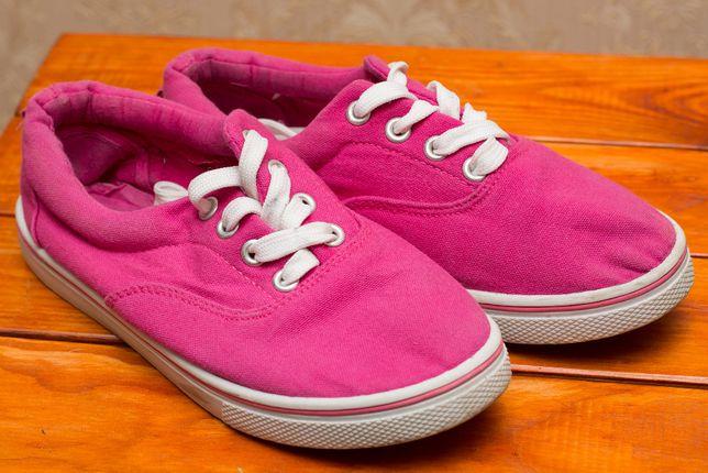 Спортивная обувь для девочки