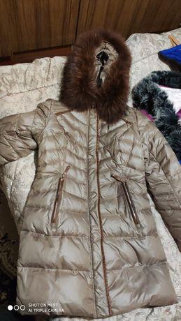 Продам зимнюю куртку на женщину xl