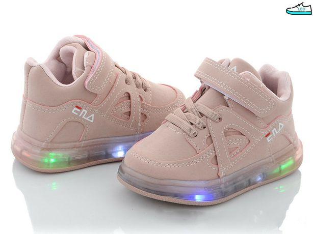 Стильные кроссовки для малышки
