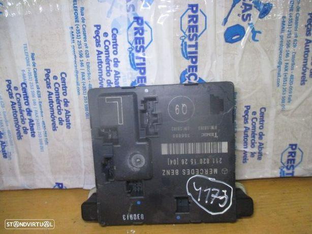 Modulo 211820152604 mercedes / w211 / 2003 / fecho porta tras esquerda /